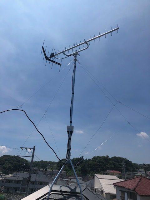 UHFアンテナ+ブースター屋根上屋根馬設置